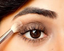 basic tutorial how to apply and blend eyeshadow video