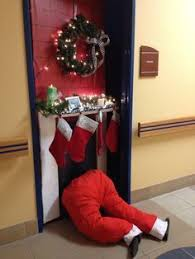 holiday door decorating ideas. 18+ Teachers Who Went All Out For Christmas   School Tips Pinterest  Door, Door Decorations And Holiday Decorating Ideas H