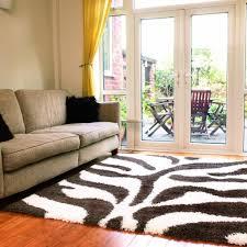 Arredare un soggiorno piccolo accento di tappeti per soggiorno