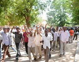 الشباب السودانى يناشد المجلس العسكري بسرعة التوصل إلى اتفاق