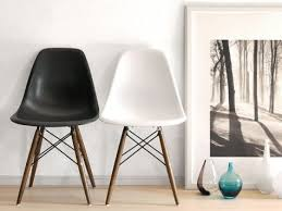 dsw replica eiffel dining chair black
