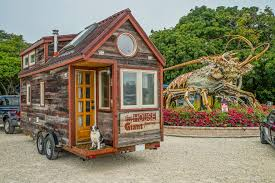 tiny houses florida. Couple Quits Day Jobs, Builds Quaint, Tiny Home On Wheels To Travel The Country | HuffPost Houses Florida O