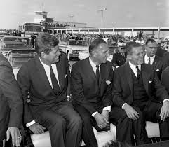 Springfield Visit President At 1962 Kennedy During Rifle Pointed Ypnqxx7