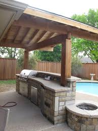 ... Plafond Also Modern Bull Outdoor Gourmet-Q Grilling Island With  Built-In Grill With Outdoor Blue Pool As Decor Outside Kitchen With Wooden  Fences Design