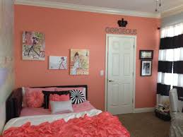 Kayton Coral Accent wall. Girls bedroom. Fashion, black and white. Coral