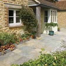 natural slate paving blue black patio kit  vijaya gold natural slate patio paving bradstone simply paving