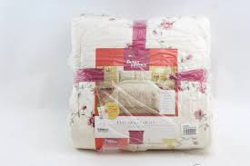 better homes and gardens quilt and sham set hannalore