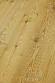 Bei uns erhalten sie dielen in schöner qualität, sehr gut gehobelt und getrocknet, dass minimiert. Massivholzdielen