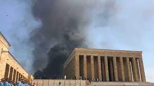 Ankara'da Yangın Son Dakika: Anıtkabir Yanıyor Mu, Anıtkabir'de Yangın Mı  Çıktı?
