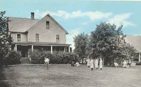 Howard Warner's Colonial was built for tourist trade. | GOTL Summer Fun  Heritage Trail