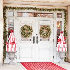 christmas front door decorations20 Creative Christmas Front Door Decorations