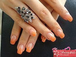 Oranžová Manikúra A Korálový Nehtový Polštář
