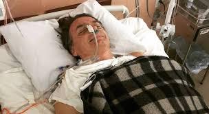 Resultado de imagem para imagens do atentado de jair Bolsonaro