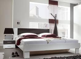 Schlafzimmer Bett Schlafzimmer Bett In Der Mitte Schlafzimmer