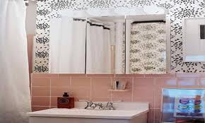 Rental apartment bathroom ideas Apartment Decorating Design Small Rooms Small Apartment Bathroom Makeovers Unterwasserwelteninfo Design Small Rooms Small Apartment Bathroom Makeovers Apartment