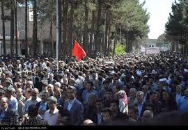 Image result for تشییع با شکوه پیکر پاسداران شهید مدافع حرم بر شانههای مردم قدرشناس