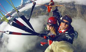 you need no previous experience of paragliding and don t have to be a sports ace to bee airborne a great idea for a gift to friends too