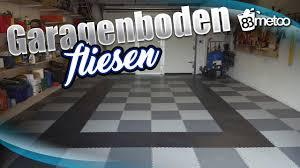 Verlegungskosten pvc fußboden pro platte. Garagenboden Fliesen Mit Pvc Bodenbelag Von Fortelock Garagenboden Im Schachbrett Muster Youtube