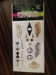 Metalické Zlaté A Stříbrné Tetování Lebka Pírka