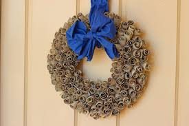 Small Picture wreath Olive on Blonde