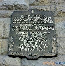 Znalezione obrazy dla zapytania Pomnik na grobie robotników z masakry 1923 r zdjęcia