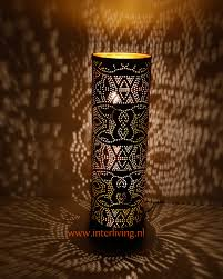 Oosterse Vloerlamp Of Staande Lamp Met Filigrain Gaatjes Patronen Van Metaal Zwart Met Goud Diverse Maten