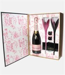 moet rose book of seduction