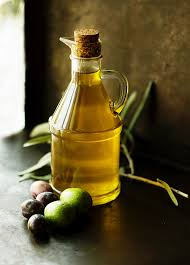 clean your face naturally with oil yep