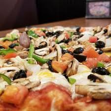 photo of round table pizza clubhouse bellingham wa united states veggie pizza