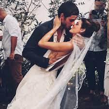 Letícia Colin esquece aniversário de Chay Suede e se desculpa: 'Agora somos  pais de primeira viagem, então ele me perdoa' | Famosos