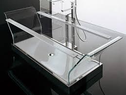 8 Modern Clear Glass Bathtubs
