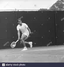 PREMJIT LALL IN ACTION - WIMBLEDON LAWN TENNIS CHAMPIONSHIP - 26 JUNE 1961  Stock Photo - Alamy