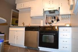 No Backsplash In Kitchen Laminate Kitchen Countertop Without Backsplash Cliff Kitchen