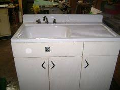 Vintage kitchen sink cabinet Vintage Garden Youngstown Metal Sink Base We Have Drawers To The Right Not Cabinet Pinterest Vintage Metal Kitchen Cabinet Vintage Kitchen Sink Cabinet Enamel