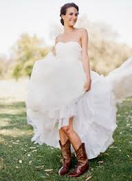 2018 Vintage Country Wedding Dresses V Neck Cap Sleeves Floor Country Wedding Style Dresses