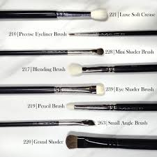 makeup brushes for the eyes