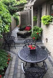simple tiny patio garden ideas