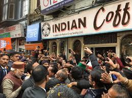 பிரபல இந்தியன் காஃபி ஹவுஸில் நினைவலைகளை அசைபோட்ட பிரதமர்