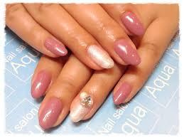 ネイル 白 ピンク シンプル