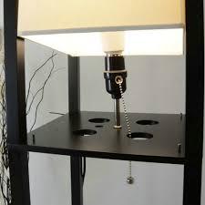 Moderne Led Decoratieve Houten Loft Vloerlamp Zwart Wit Staande Lamp