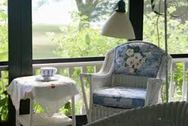 Paint One Color Of Wicker Furniture White So That It Easily Coordinates  With The Other.