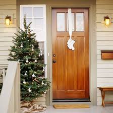 front door decor20 Creative Christmas Front Door Decorations