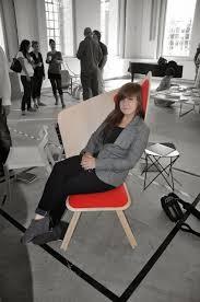 дневник дизайнера Современные стулья из дерева лучших  Стул nerd берлинского дизайнера david geckeler изготовлен из ламинированной гнутой фанеры и натурального дуба благодаря инновационной интеграции между