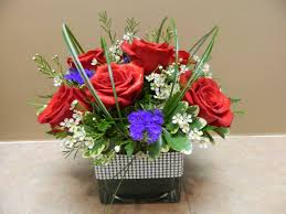sweetheart bouquet with red roses