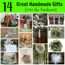 some of my gardening friends have graciously allowed me to round up some of their favorite handmade gifts to make from the garden and for the garden