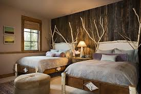 birch wood and reclaimed wood wall are perfect for the comfy rustic bedroom design