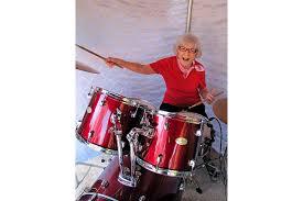Viola Smith, 'fastest girl drummer in the world,' dies at 107 | News Break