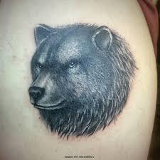 татуировка медведь на плече сделали полную реставрацию тату