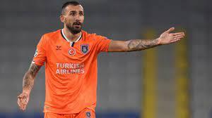 Başakşehirli Mehmet Topal, PSG maçı sonrası Rumenlere ateş püskürdü -  Haberler Spor
