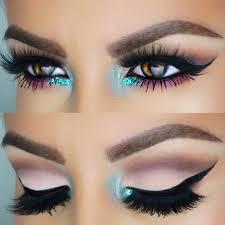 turquoise inner corner eye makeup look